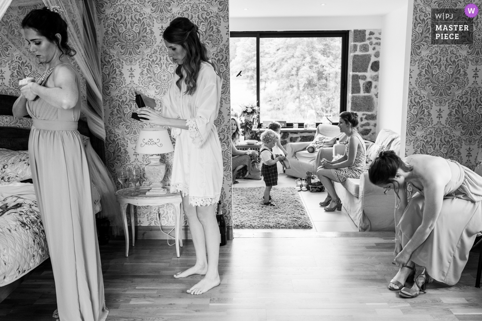 Getting ready - Nouvelle-Aquitaine, France Wedding Photography -  | Domaine de Grolhier