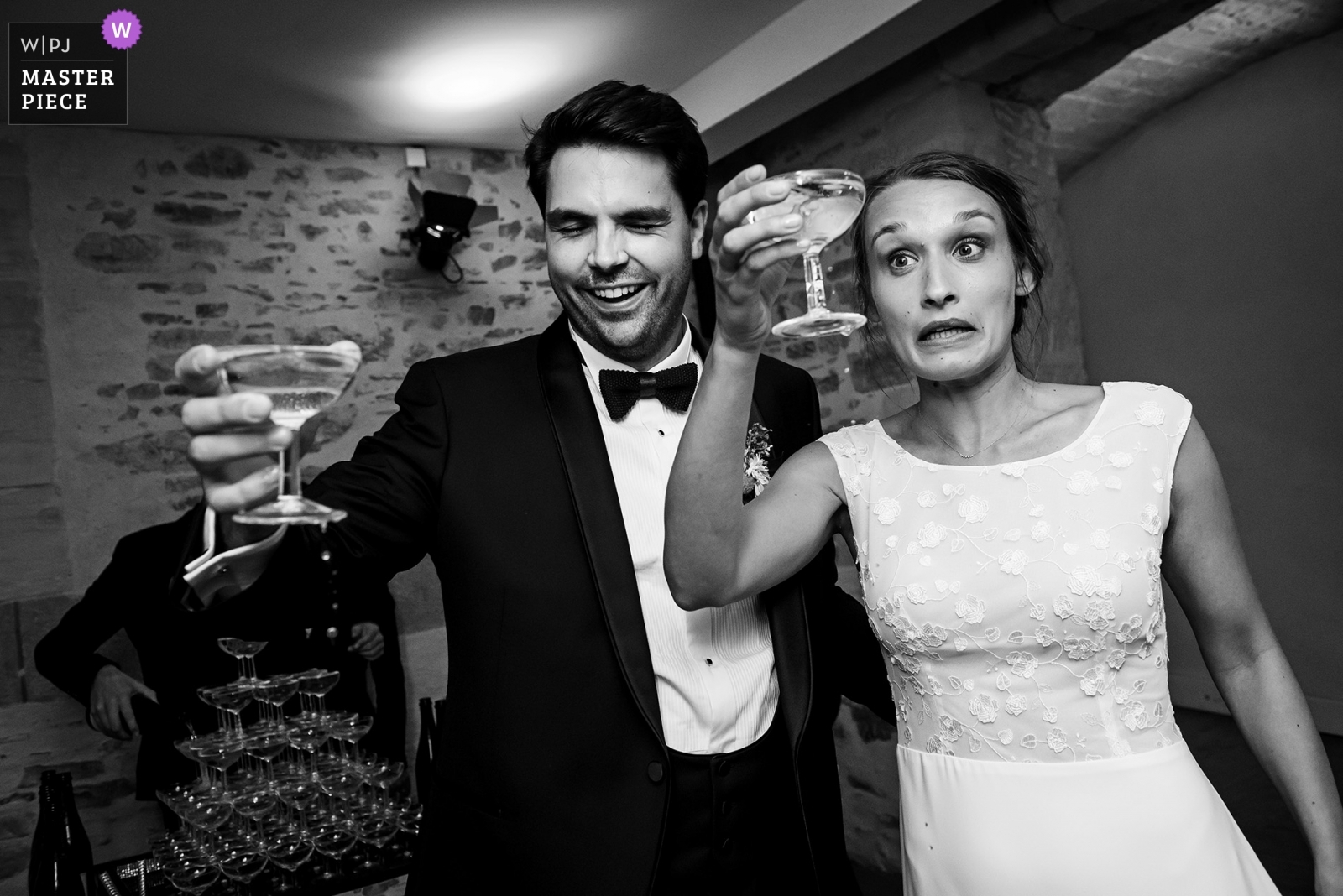 CHAMPAGNE MOMENT - Vertou, Nantes Wedding Photography -  | CHATEAU DE VAIR, NEAR ANCENIS, LOIRE VALLEY