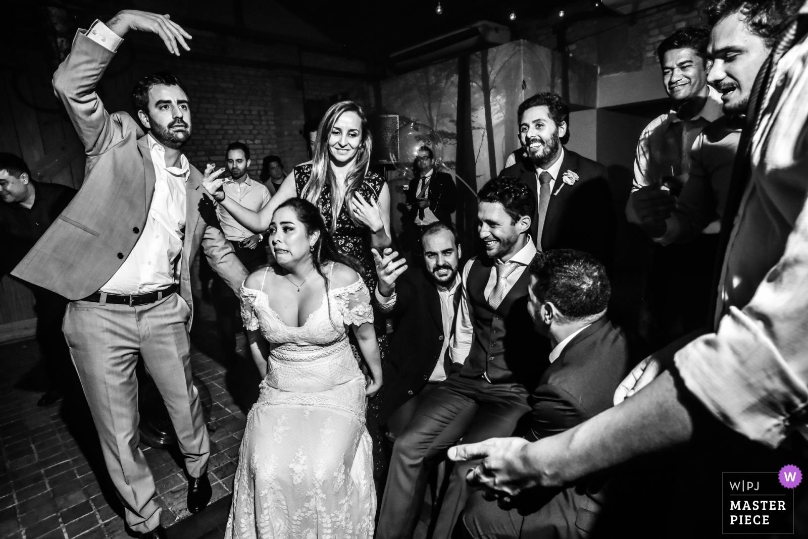 Couple on the  wedding party - São Paulo, Brazil Wedding Photography -  | Celeiro Quintal - São Paulo