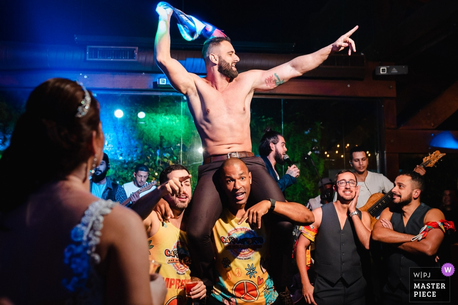 That moment when the groom takes off his shirt and the wedding turns into a carnival. - Rio de Janeiro, Brazil Wedding Photography -    Vale dos Sonhos - Rio de Janeiro - Brazil