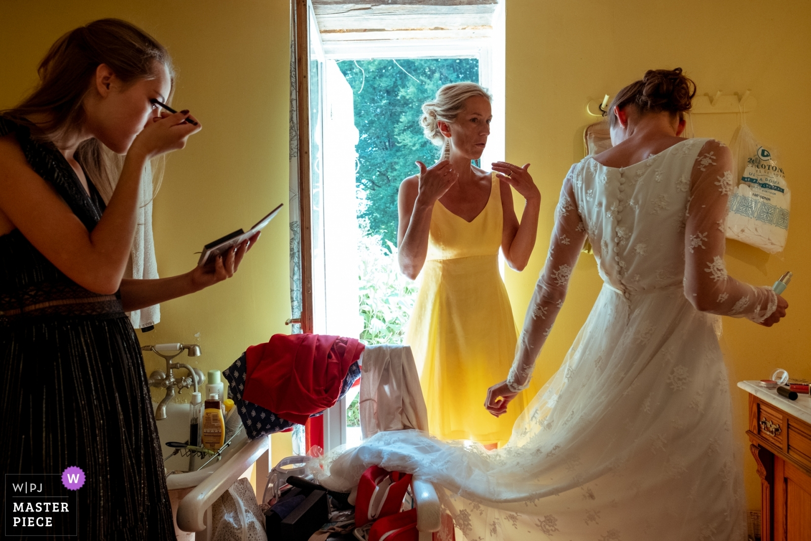 bride getting ready with her mother and her sister - Nouvelle-Aquitaine, France Wedding Photography -  | Ambazac