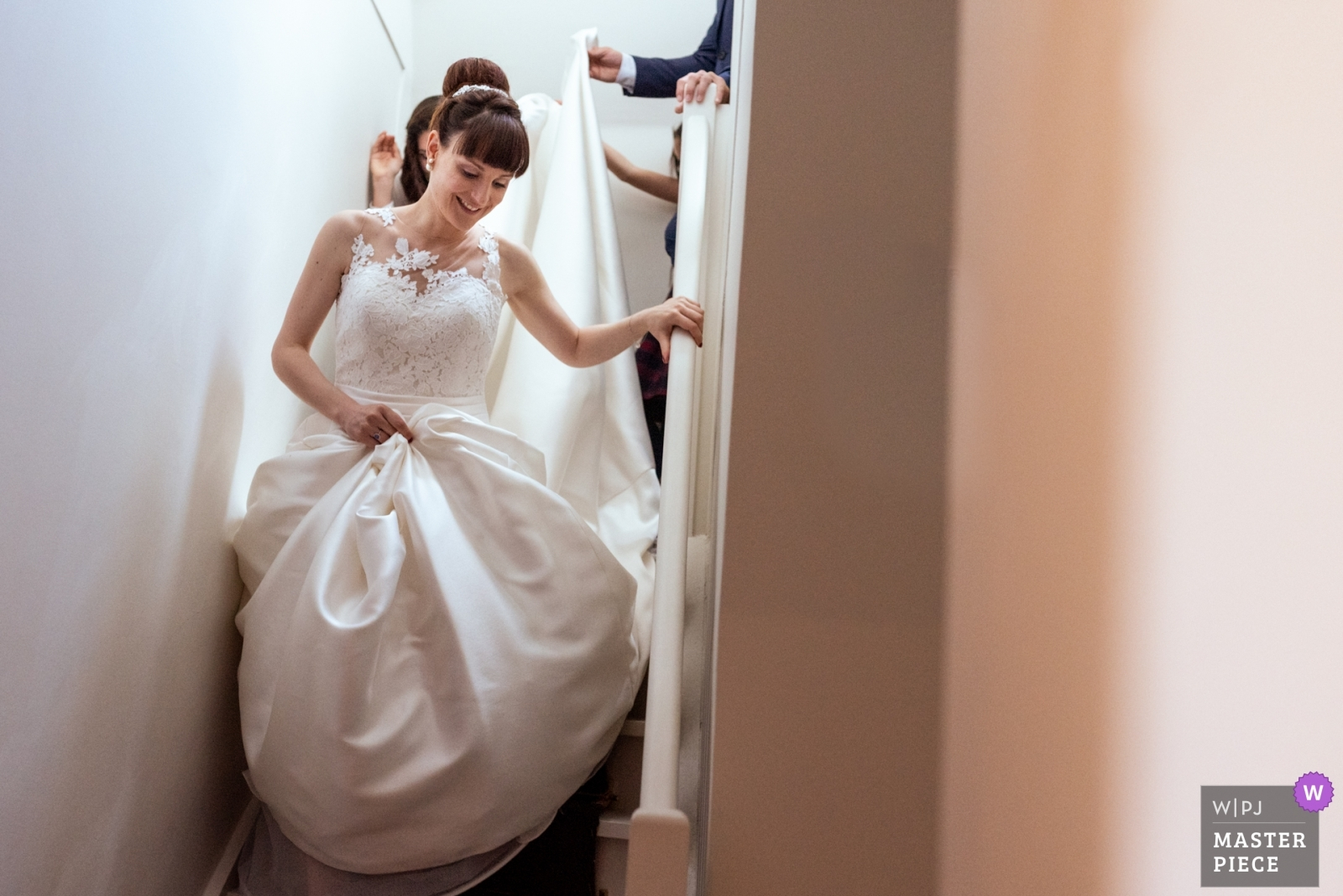 The bride is going to the ceremony - Nouvelle-Aquitaine, France Wedding Photography -  | Chateau la Cazine