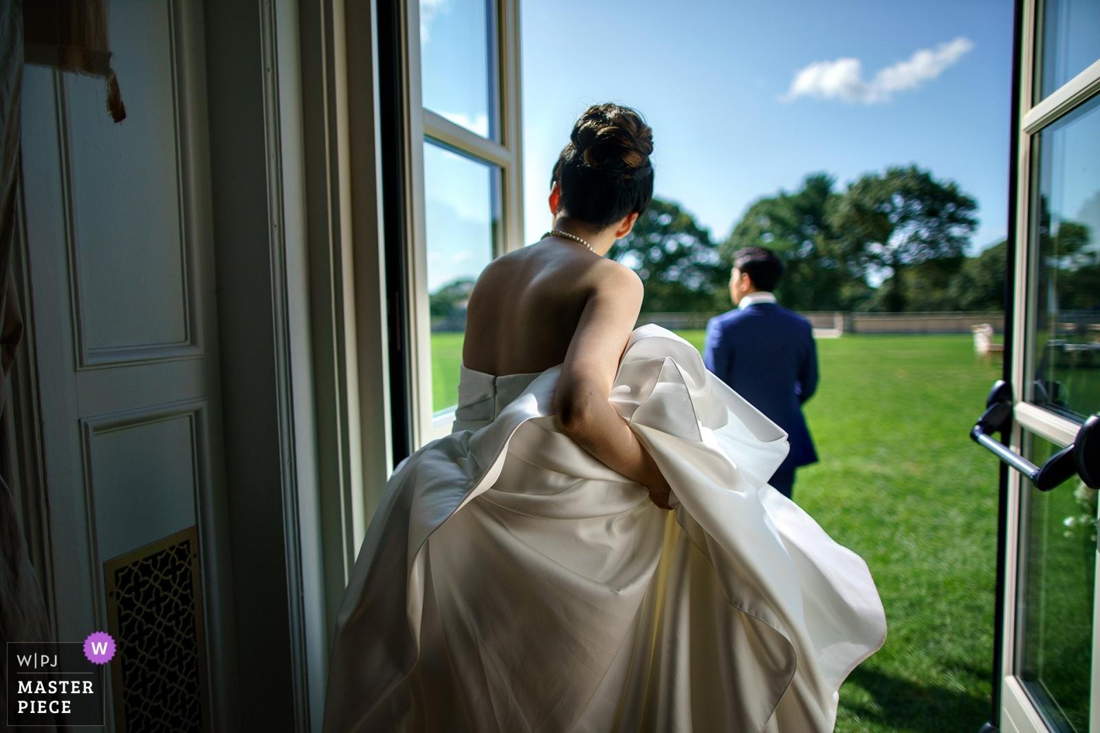 bride getting ready - Bronx, New York City - Metro Wedding Photography -  | Oheka castle