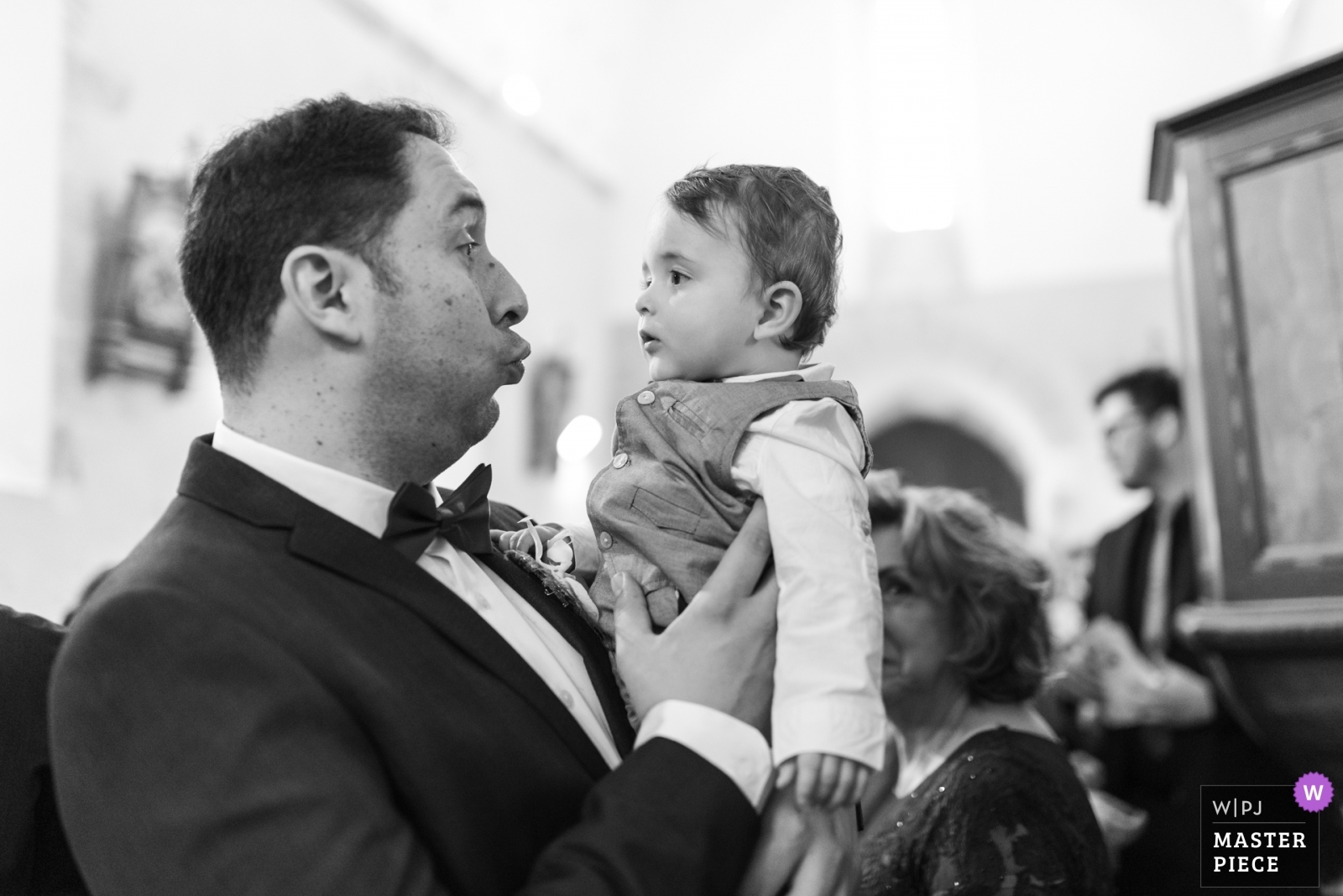 A little child at church - Nouvelle-Aquitaine, France Wedding Photography -  | Cuzion